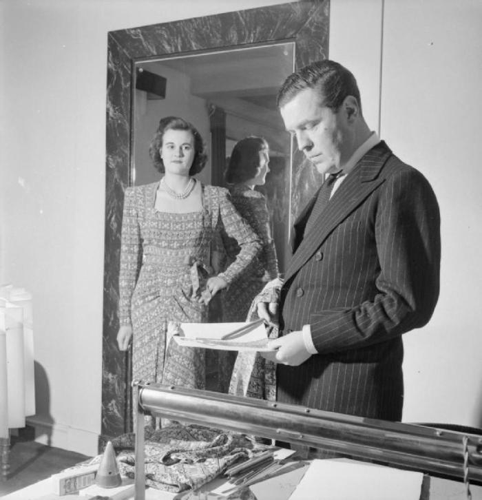 london_fashion_designers-_the_work_of_members_of_the_incorporated_society_of_london_fashion_designers_in_wartime_london_england_uk_1944_d23067